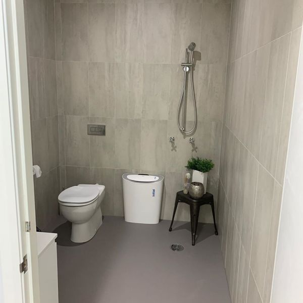 staff-bathroom-after-pic-yerin-184EF5C35-6F4F-607A-9C5C-F3C833487C54.jpg
