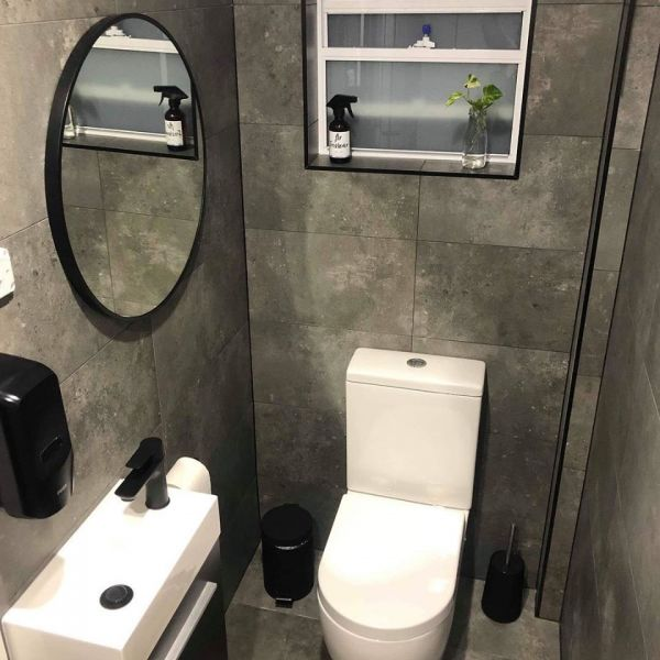 toilet-and-vanity-after-pic5D57DEED-720E-C01A-BC0E-295D3E45FF93.jpg